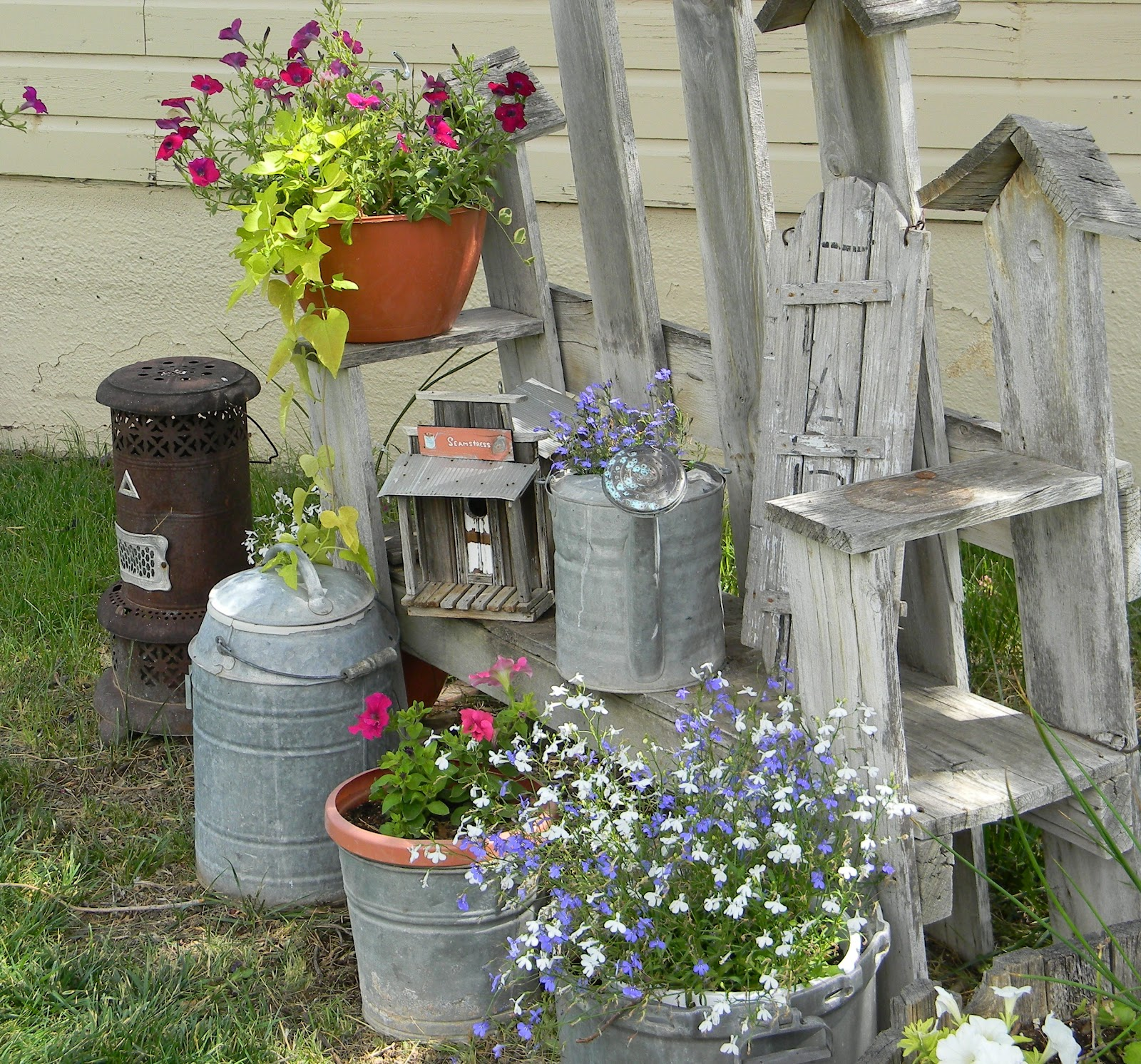 My little shabby chic garden spot my modern country - Camere stile shabby ...