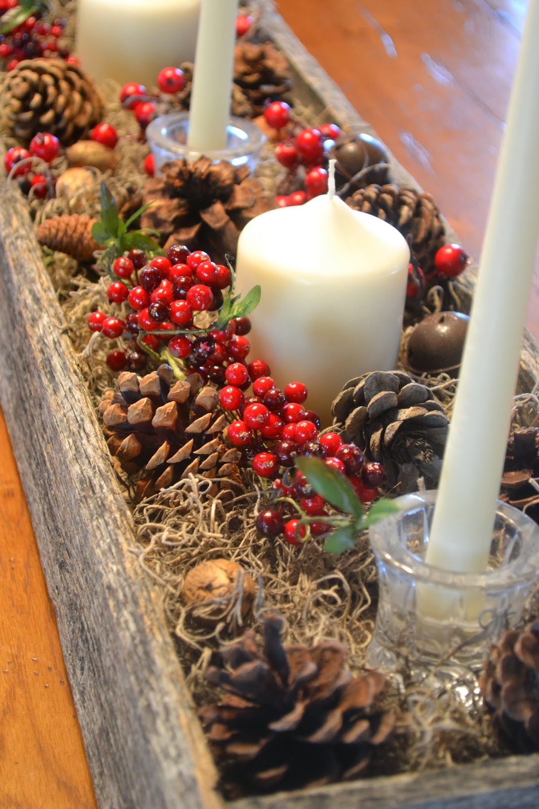 Rustic christmas centerpiece from a reclaimed pallet my